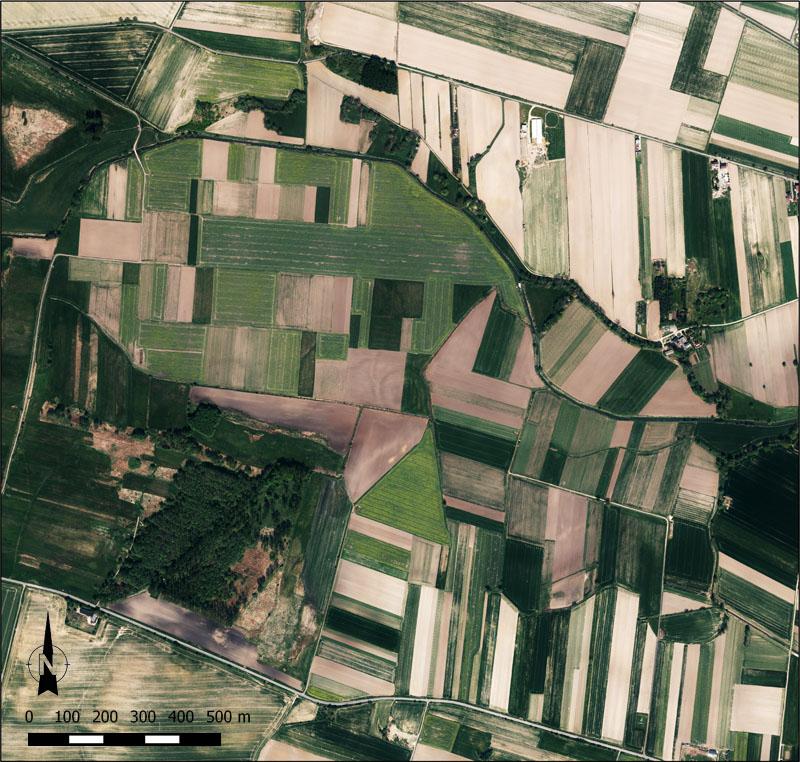 Borucin - zdjęcie pionowe z maja 2012 r.
